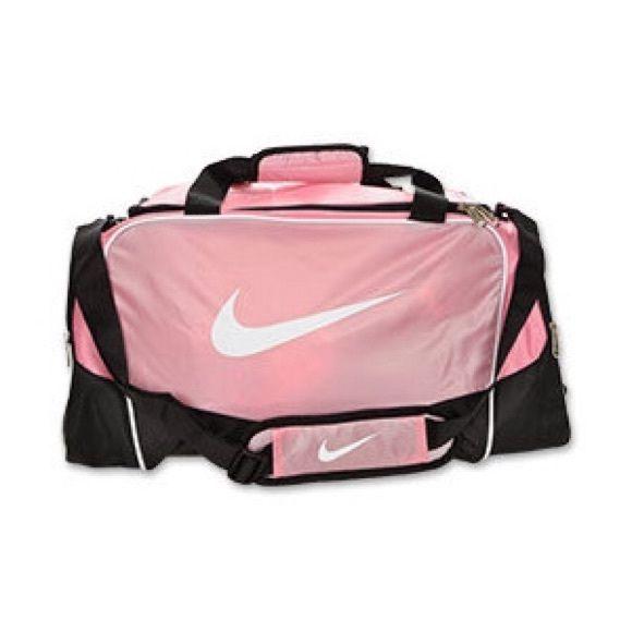 Ventilar Anoi Lago taupo  Pink Nike Duffle Bag | Nike duffle bag, Nike gym bag, Pink duffle bag