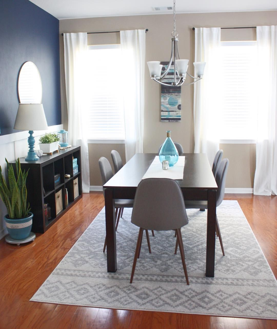 25 Blue Dining Room Designs Decorating Ideas: Mid Century Modern Dining Room With Dark Blue Accent Wall