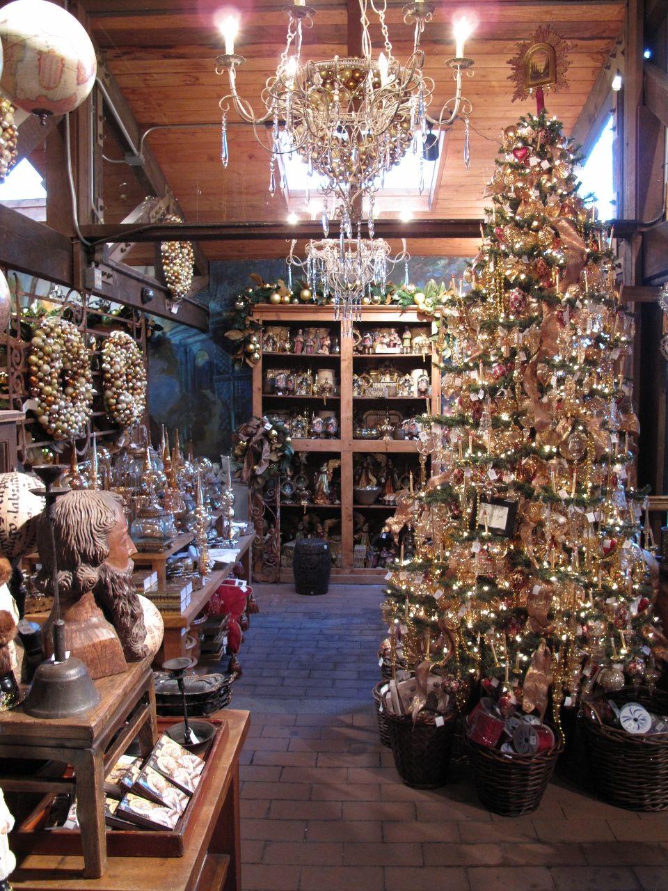 2011 Roger's Gardens Christmas Christmas store displays