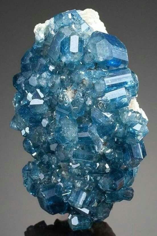 Apatite Cristais Minerais Pedras E Minerais Pedras Preciosas