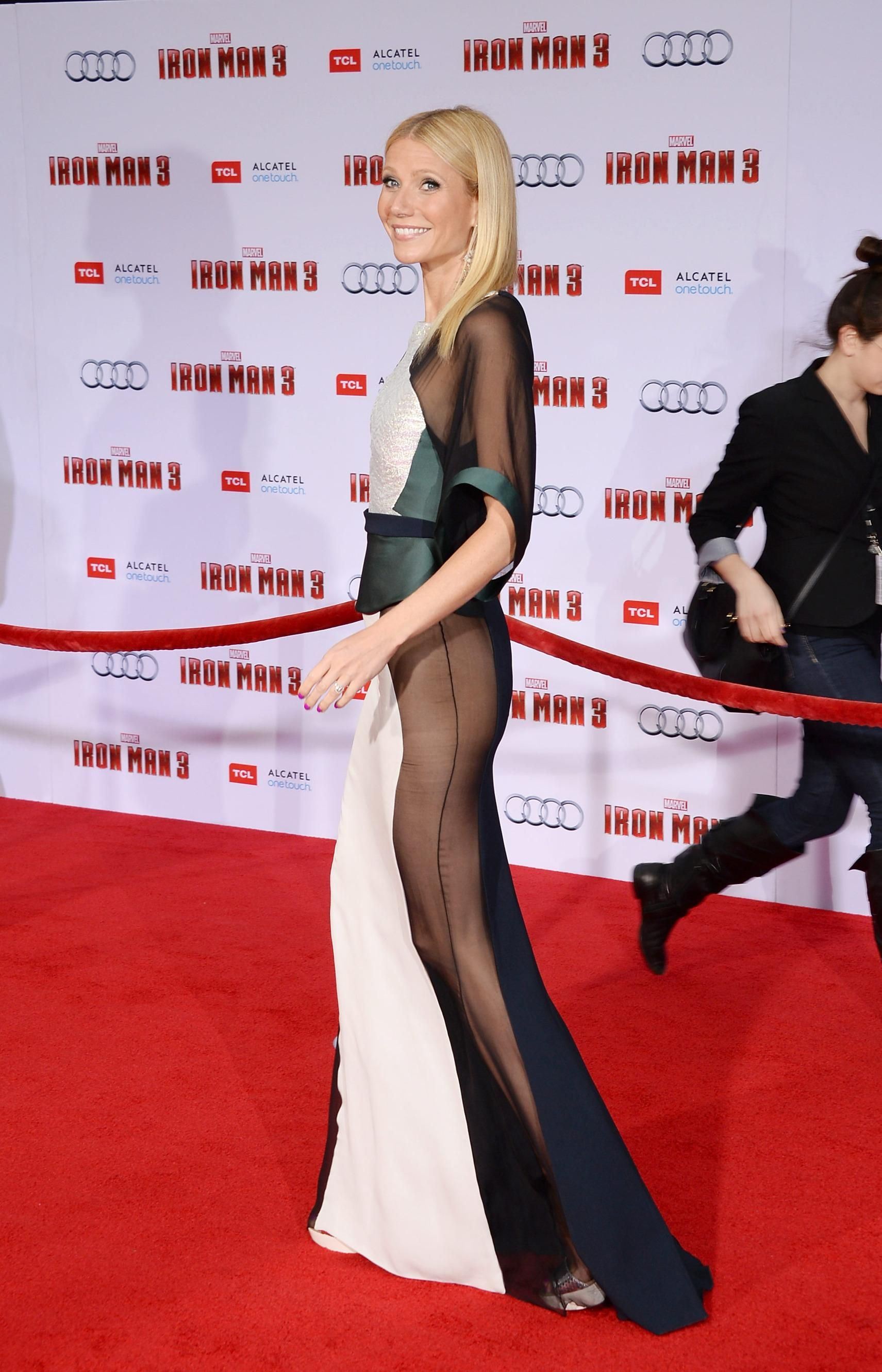 Gwyneth Paltrow's Iron Man Sidebutt Dress Is One Of The Sexiest Dresses Of All Time