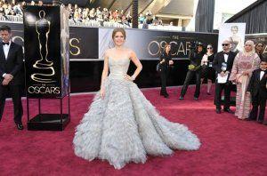 Amy Adams in Oscar de la Renta  #oscars  source:ca.omg.yahoo.com