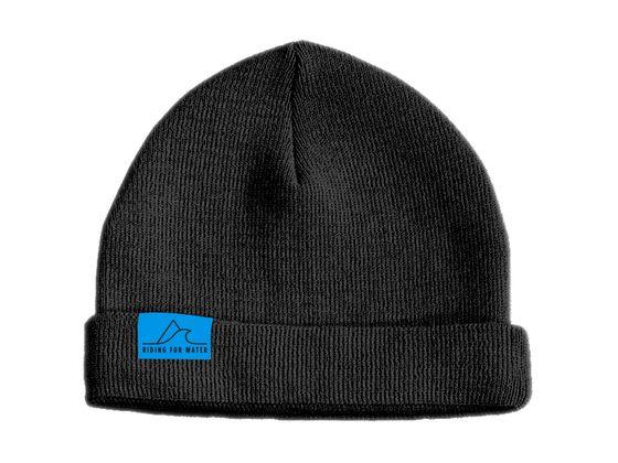 Soutenez-nous en achetant une de nos bonnet Riding For Water. A vendre sur notre shop online et chez Boarder's Park à Nyon.