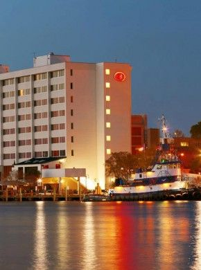 Wilmington A Landmark On S Riverfront The Hilton Riverside Is Premier Full Service Hotel In Heart Of Downtown