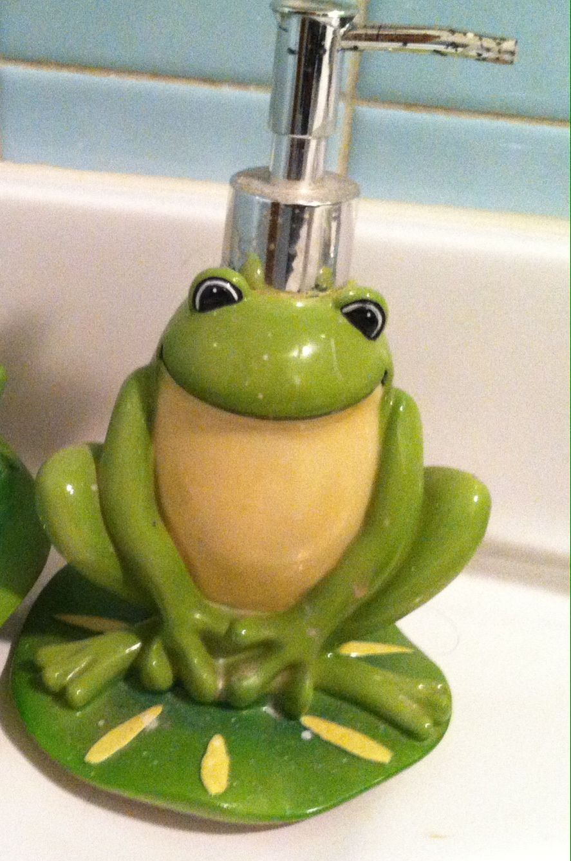 Liquid Soap Dispenser Also In My Bathroom Soap Dispenser Soap Liquid Soap