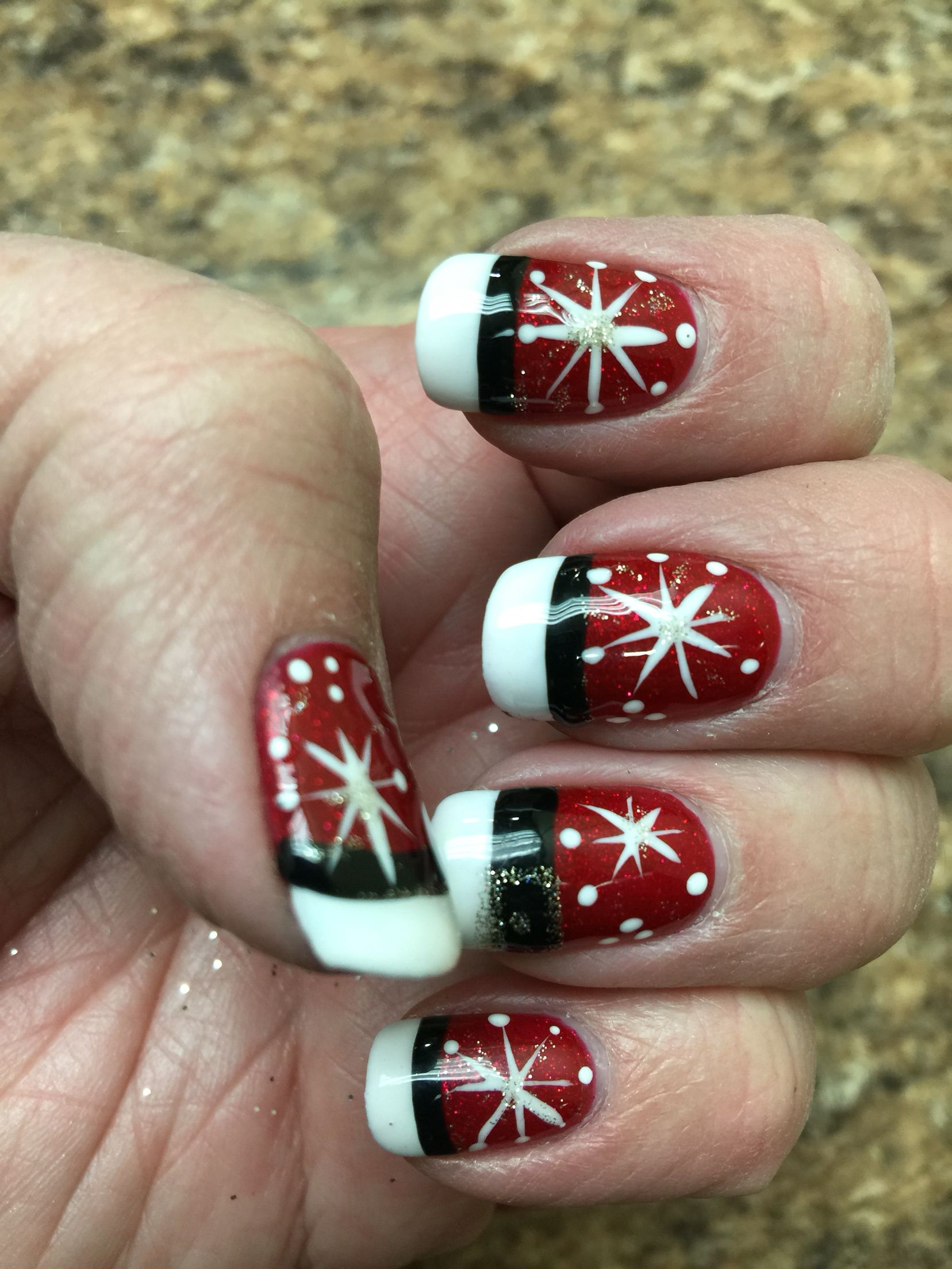 Christmas manicure with no chip polish