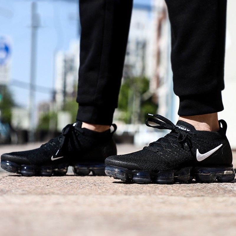 buy popular 5ec5e 23e5d Nike Air VaporMax Flyknit 2.0 Black and White | NIKE Air ...
