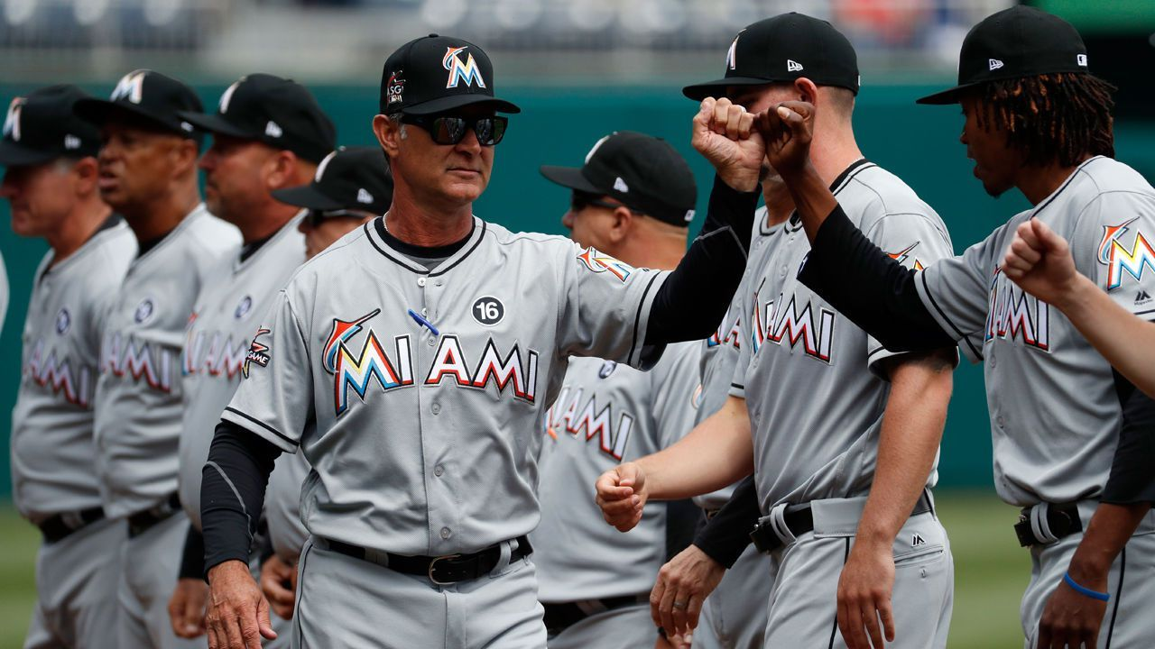 Baseball Execs Say Marlins Bidders Shrinking Price Tag Hovers At 1b Miami Marlins Match Tickets Baseball
