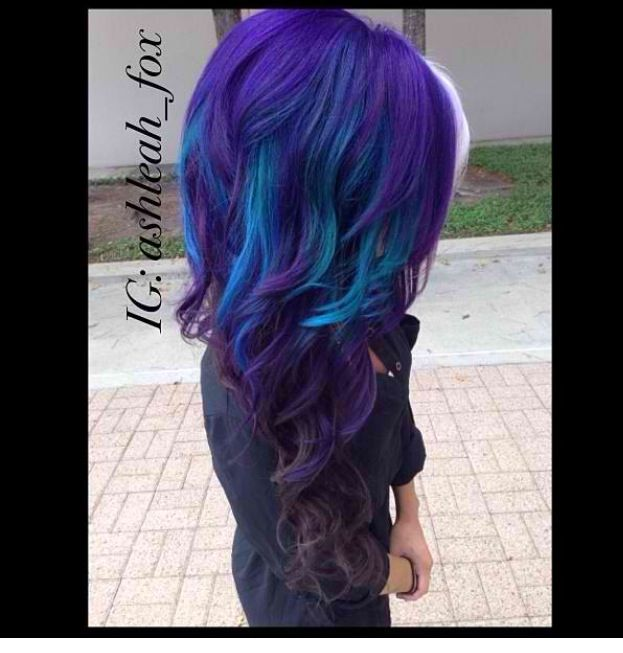Can my hair please look like this!! Peacock!