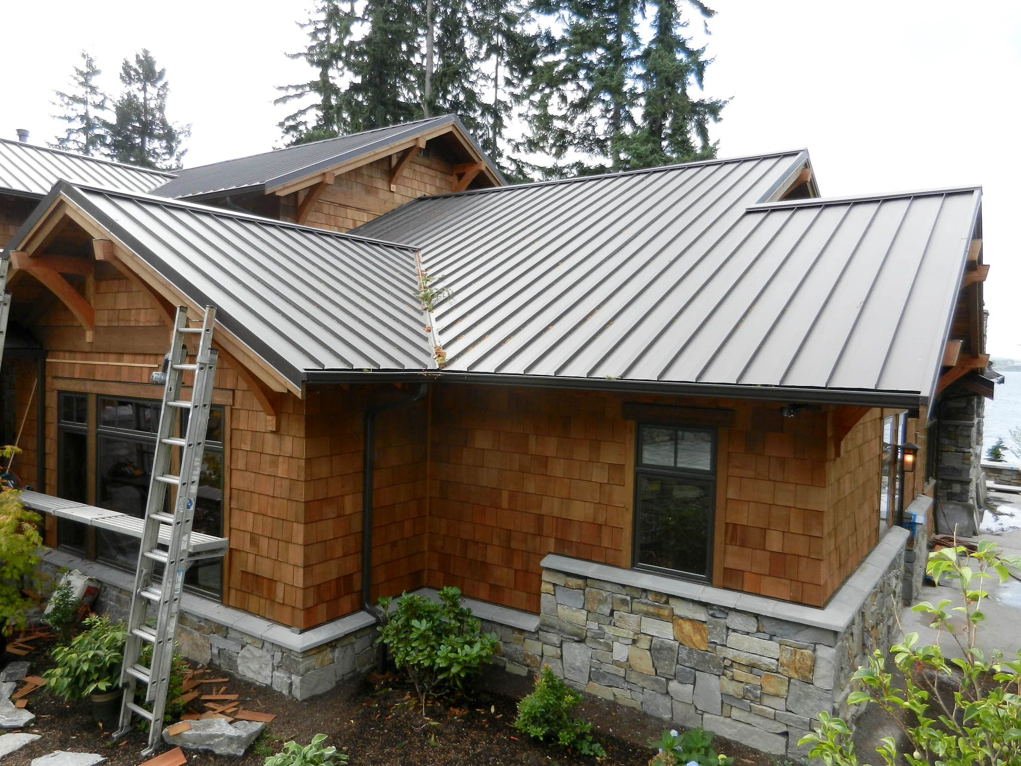 Best While More Expensive Than Asphalt Metal Roofing Lasts Longer And Is More Wind Resistant Home 400 x 300