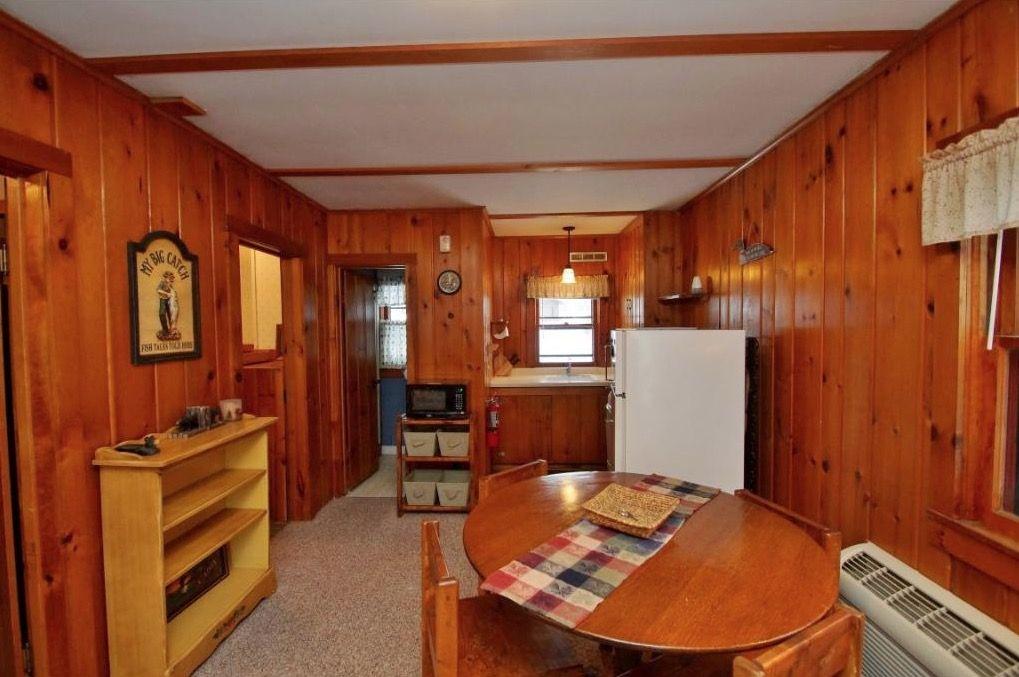 500 Sq Ft Tiny Log Cabin In Hayward Tiny Log Cabins Log Cabins