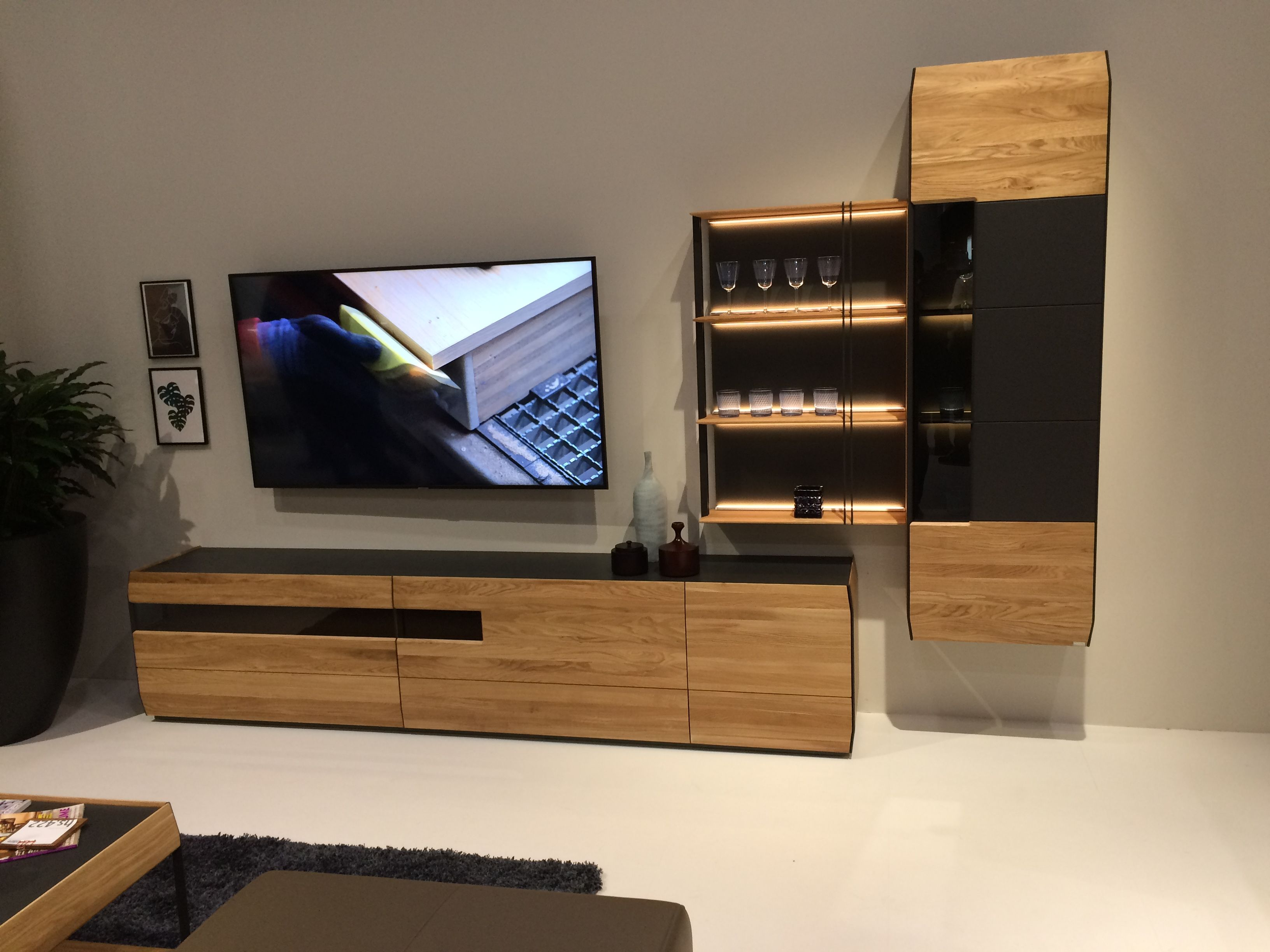 Some Interesting Pieces From The Imm Cologne 2019 Furniture Fair Des Meubles Qui Ont Retenu Notre At Flat Screen Flatscreen Tv Electronic Products