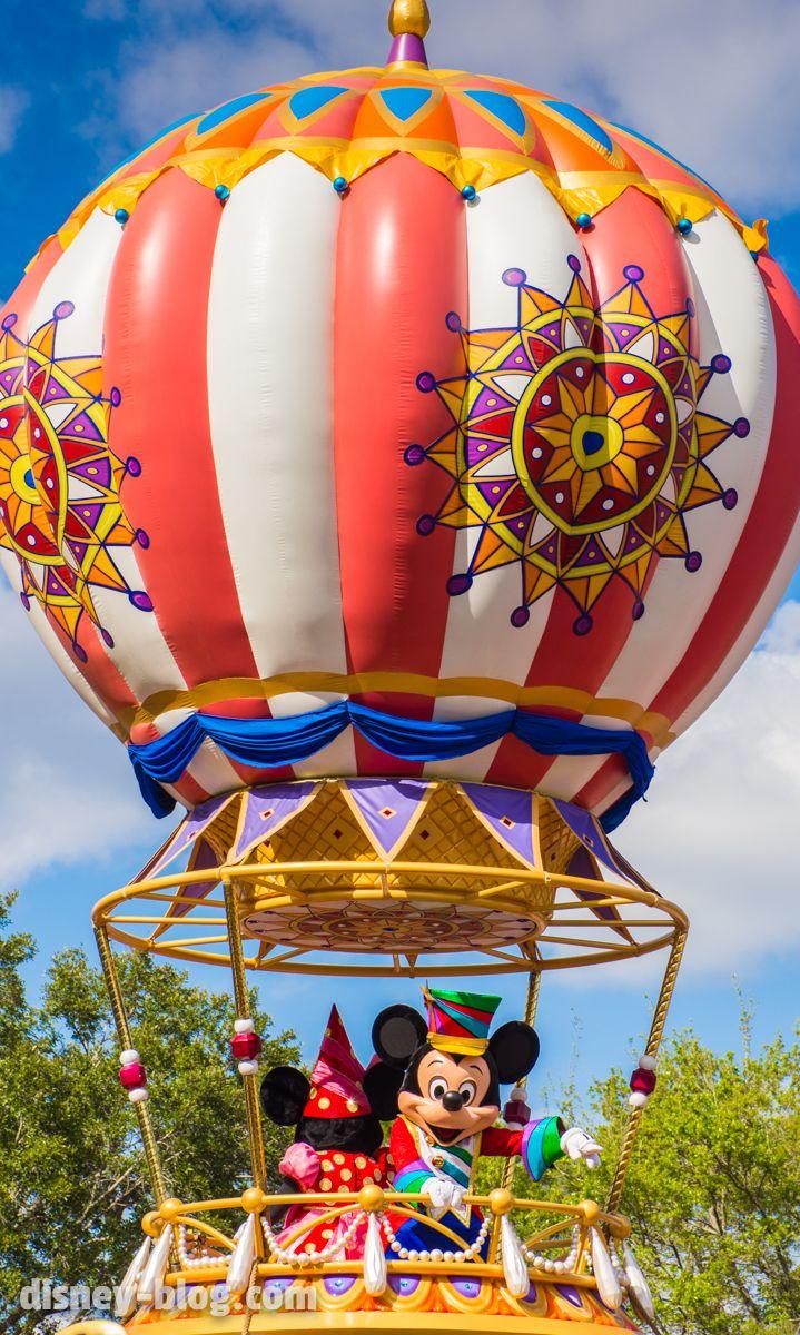 Mickey and Minnie in a hot air balloon at Disney's Magic