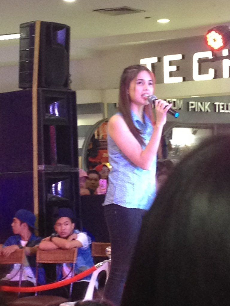 mich ‏@mamichh  Sep 17 Saw Joshua Garcia and Michelle Vito earlier 😜 unexpected tho hahaha