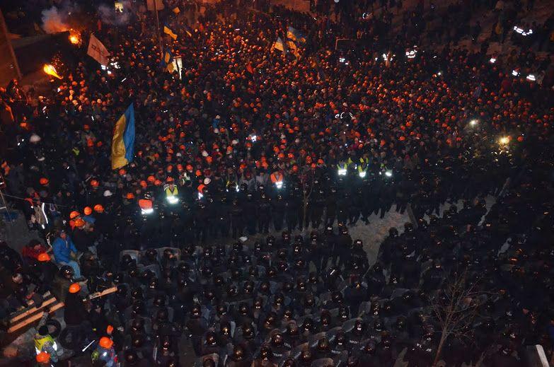 11.12.13 04:51 Штурм Майдану
