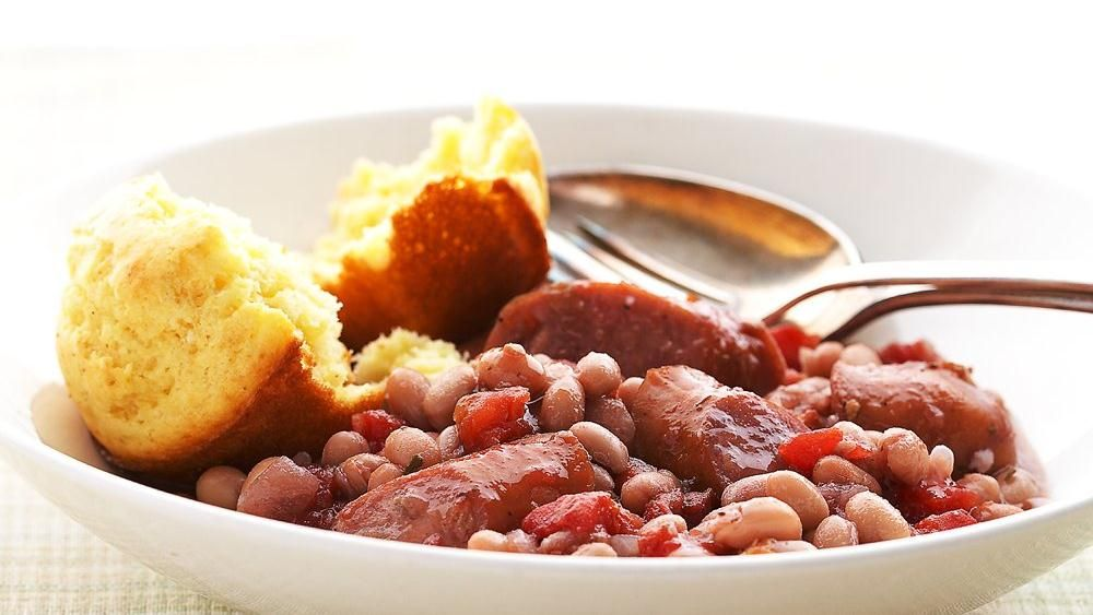 Slow-Cooker Italian Sausage and Beans #sausagedinner