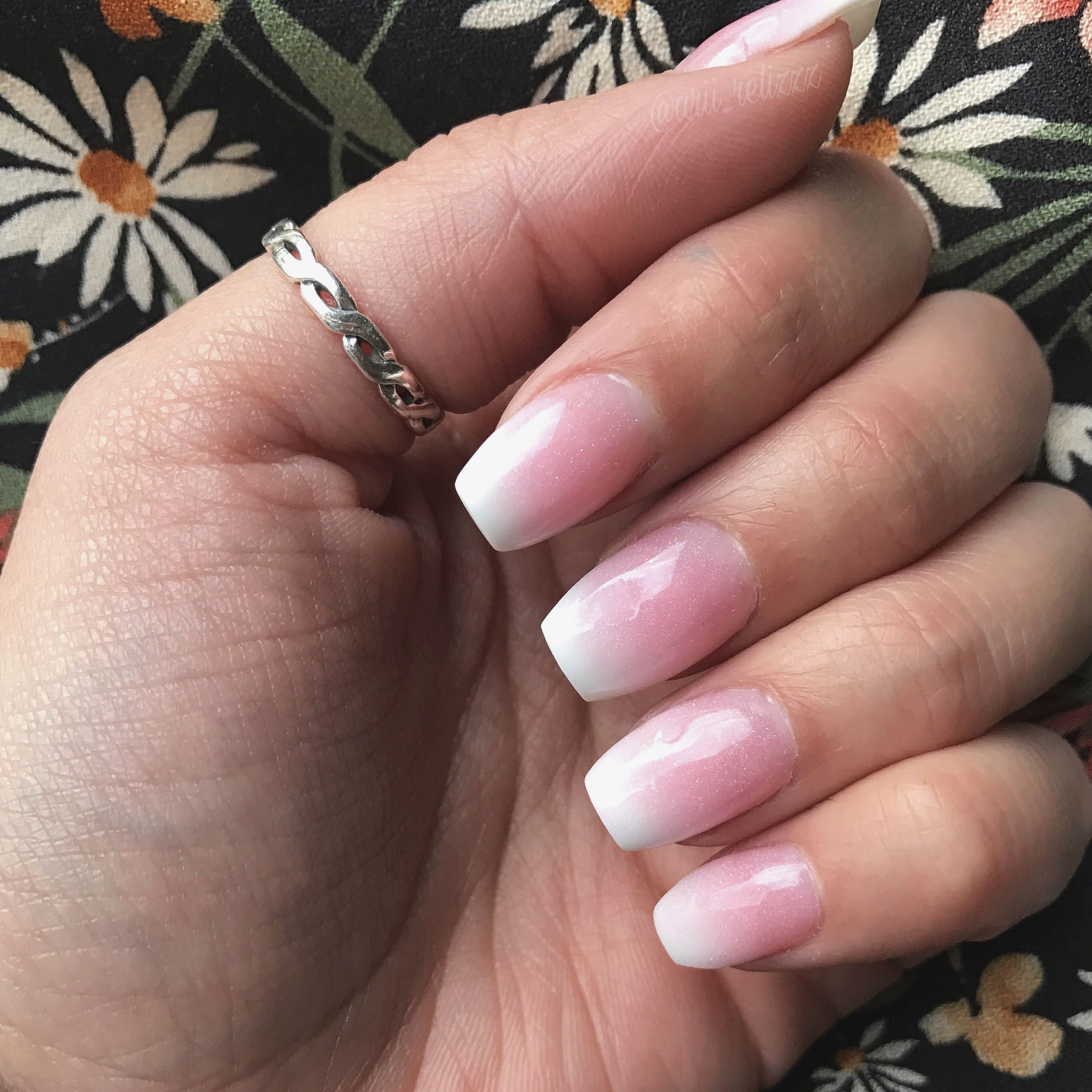 Ombre Pink And White Nails Ombre Acrylic Nails Short Coffin Nails Designs Short Coffin Nails