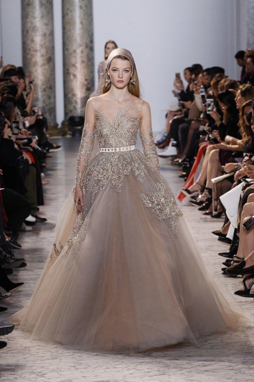 Mooiste Bruidsjurken.Van Chanel Tot Dior En Valentino Dit Zijn De Mooiste Bruidsjurken