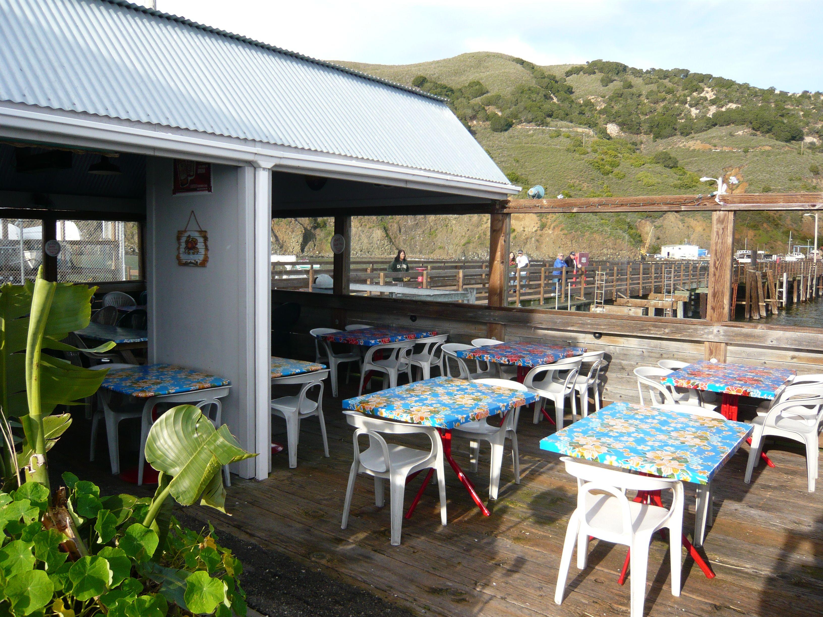Main Patio At Peteu0027s Pierside Cafe