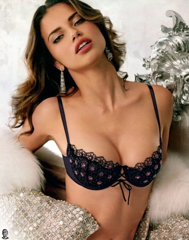 Cleavage Erotica 46. Adriana Lima  naked (71 images), YouTube, braless