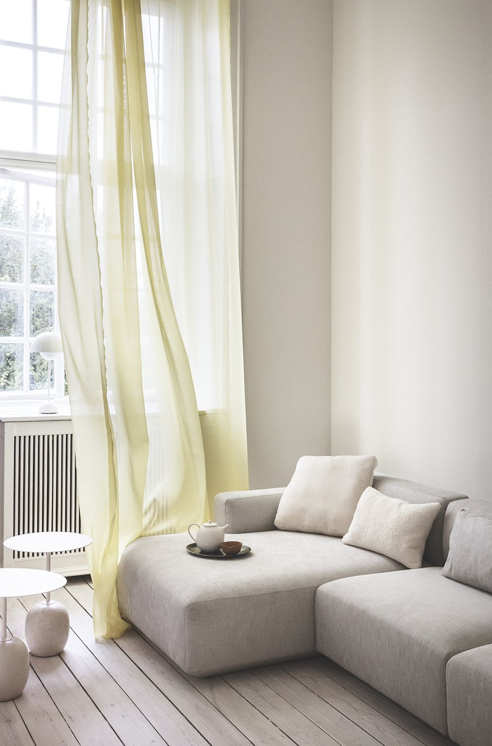 5 couleurs adopter chez soi pour le printemps salons. Black Bedroom Furniture Sets. Home Design Ideas