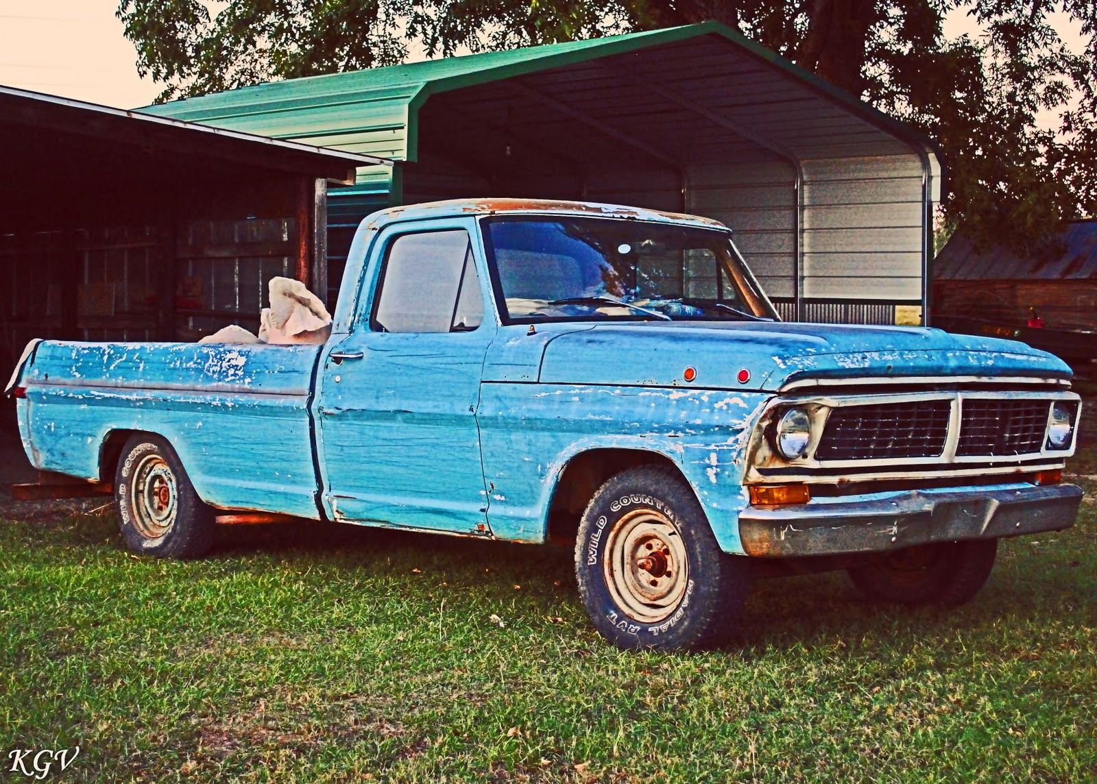Its a southern thing old blue my daddy had a truck like this the blue