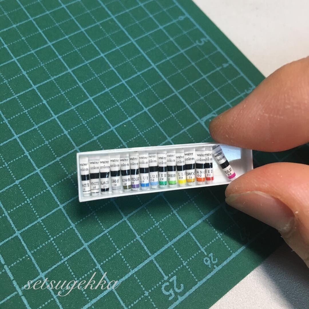 ミニチュア教室にて教わったチューブの作り方を応用して絵の具セットを作りました パレットとか筆とか 小物を増やしたいけど 試行錯誤中です ー Miniature ミニチュア 絵の具 ของจ ว