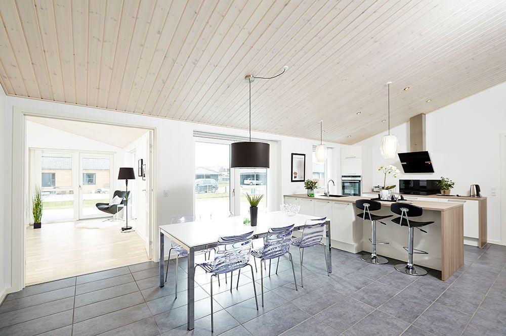 Klassisk køkken/alrum #huscompagniet #inspiration #indretning #husbyggeri #indretning #nybyg #husejer #nythus #typehus #køkken