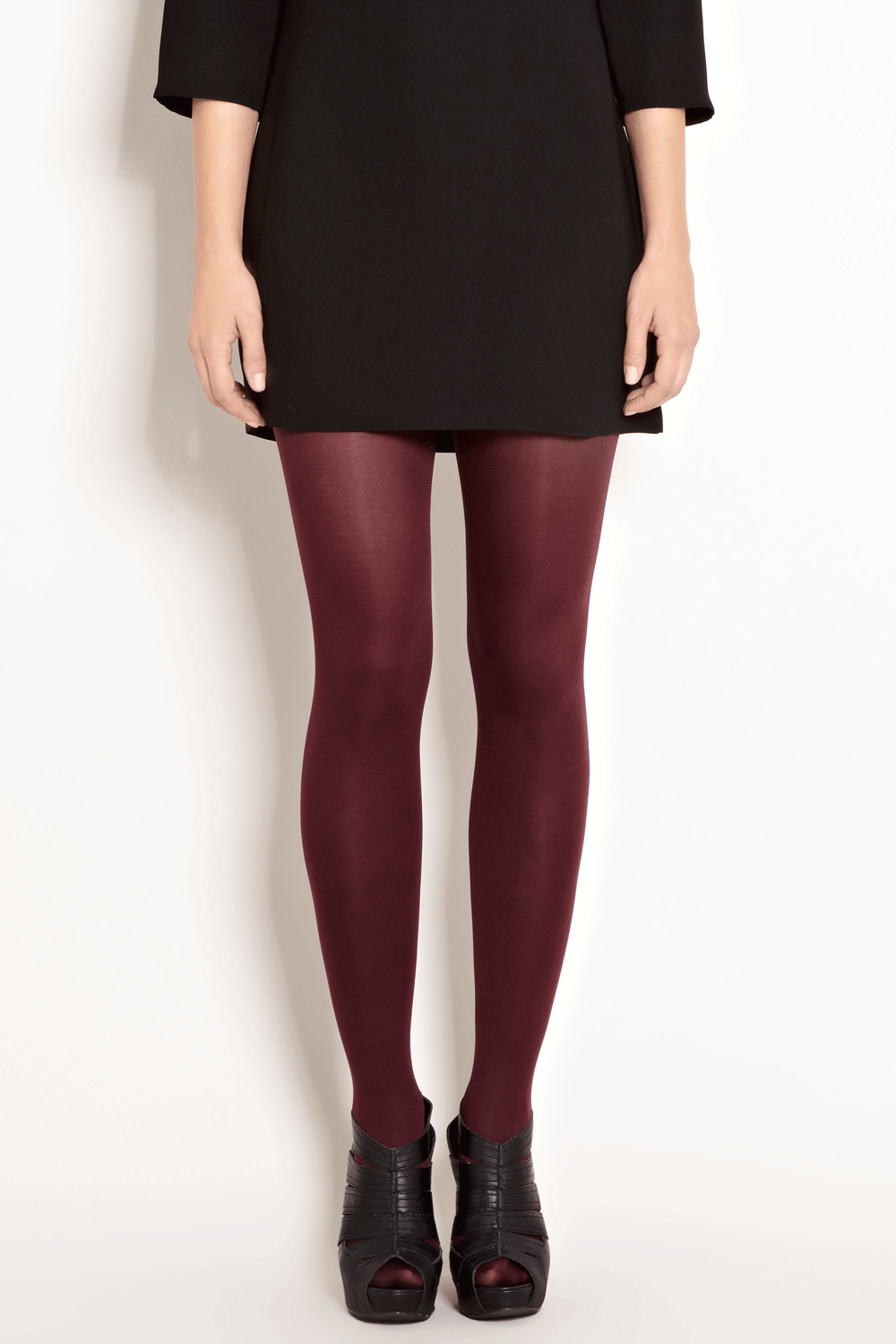 Dark Red Tights With A Black Dress Loveeee Clothes Fashion Red Tights [ 1500 x 1000 Pixel ]