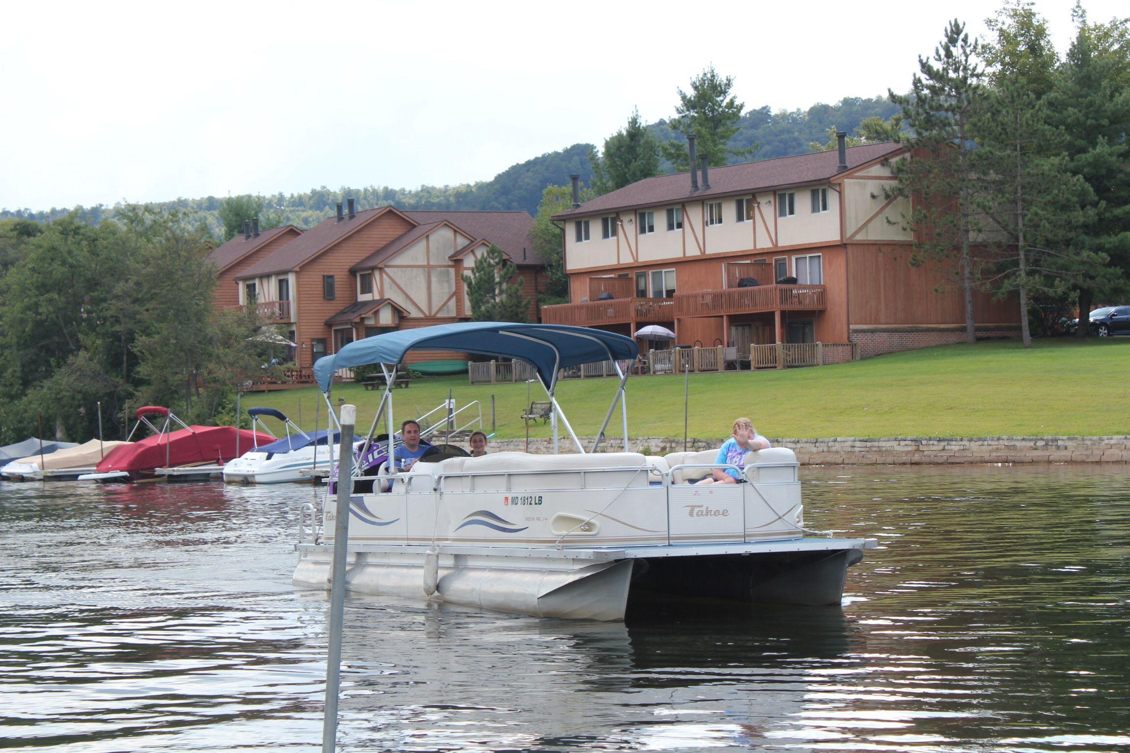 Pontoon Boat At Deep Creek Lake Deep Creek Lake Lake Boat Boat Rental