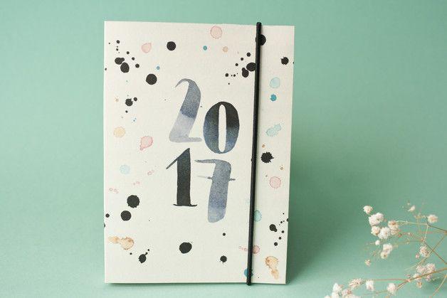 b r von pappe hat wieder einen taschenkalender in a6 gezaubert der kalender ist nach monaten. Black Bedroom Furniture Sets. Home Design Ideas