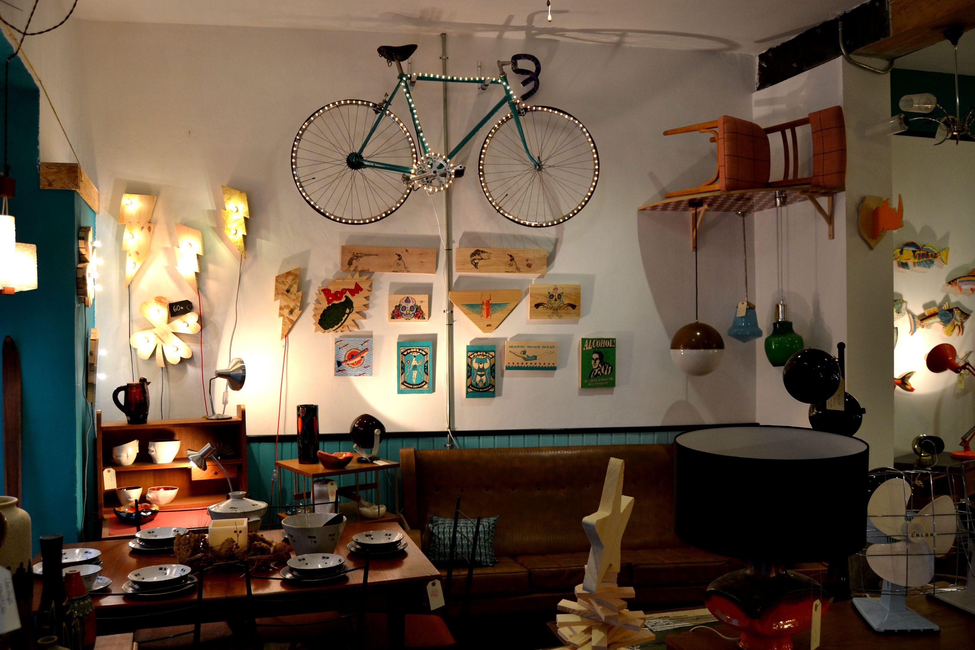 Diciembre 2014 tienda lakari kala venta de muebles y decoraci n vintage pinterest - Centro reto madrid recogida muebles ...