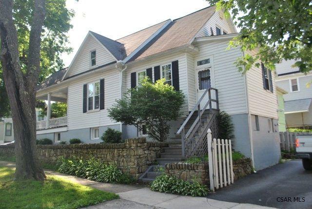 826 Bucknell Ave Johnstown Pa 15905 Little Dream Home Real Estate Little Houses