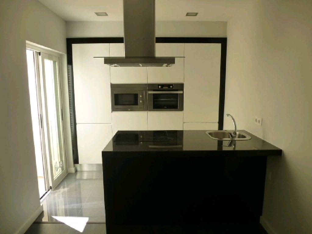 Apartamento T1 Totalmente Renovado Cozinha Com Ilha E Completamente