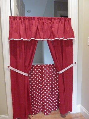 Easy-peasy doorway theatre! Kids can do puppet shows or use