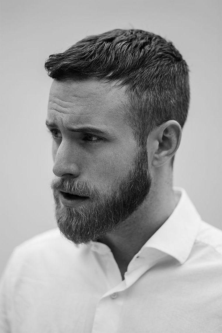 coiffure pour homme avec barbe de style casual et idée pour homme d\u0027affaires
