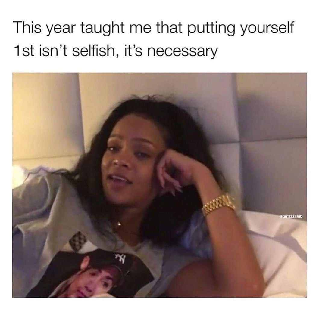 What did 2019 teach you? COMMENT BELOW! Also, don't you just leave @badgirlriri ? I do 😍! . . #comment #recap #endofadecade #newyears #rihannameme #memes #workworkworkworkwork #abetteryou