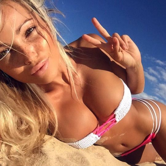 Pin On Hot Curves Abby Dowse