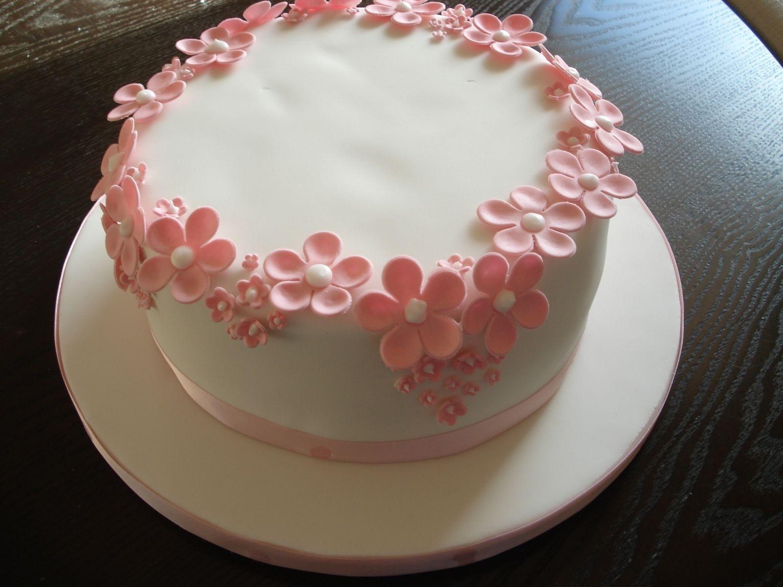 Strange 32 Pretty Image Of Cute Birthday Cakes For Girl Pretty Birthday Personalised Birthday Cards Epsylily Jamesorg