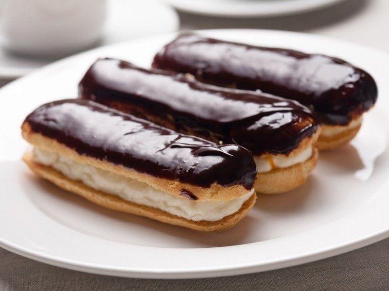 Reteta Ecler Cu Crema De Vanilie Si Glazura De Ciocolata Recipe