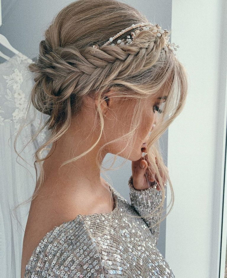 30 Gorgeous Wedding Hairstyle Ideas For The Elegant Bride Elegantweddinginvites Com Blog Boho Bridal Hair Hair Styles Up Dos For Medium Hair