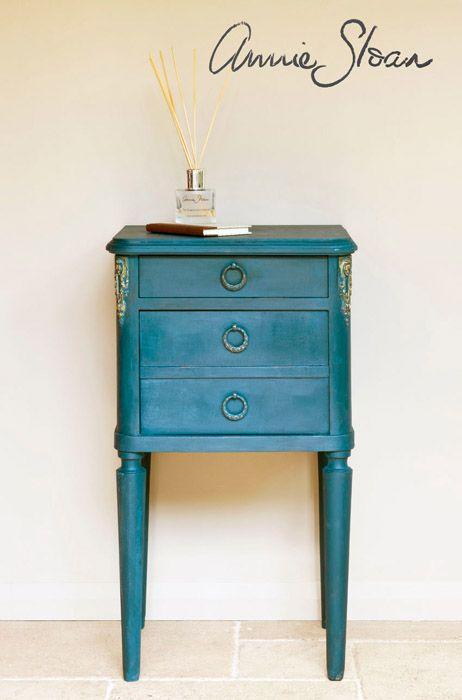 Aubusson Blue Chalk Paint™ by Annie Sloan | Dovetails Vintage