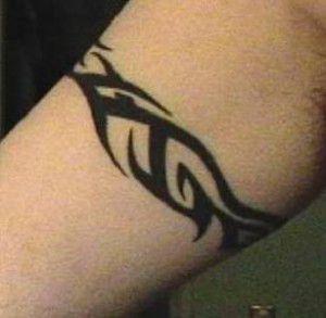 Tatouage Bracelet Tribal Bras Fin Idee Tatou Pinterest Tattoos