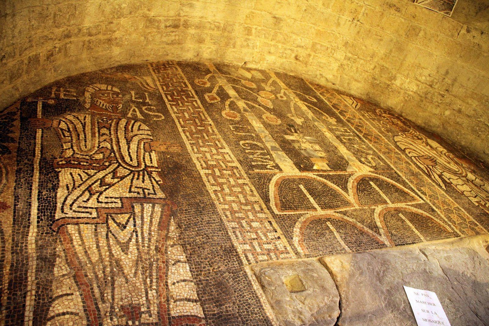 abbaye sainte-marie de cruas, ardèche, ra mosaïque   entre roman et