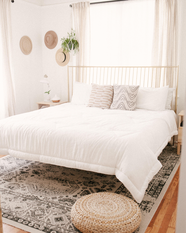 Pin by Buffy on Bedroom Inspo Home decor, Tiny bedroom