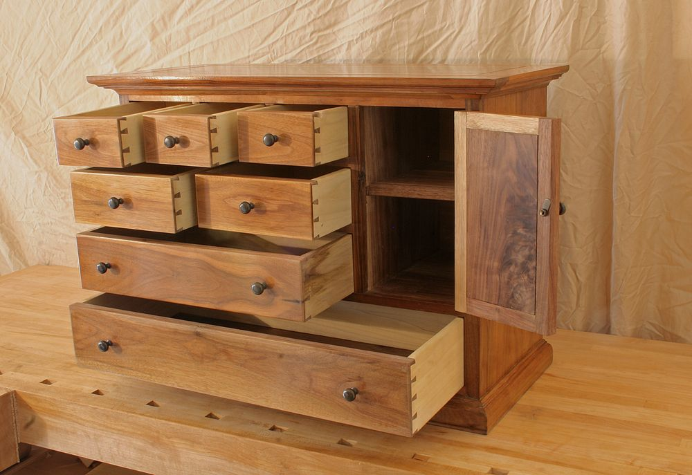 Small walnut chest of drawers chase ankeny hand cut dovetailed small walnut chest of drawers chase ankeny hand cut dovetailed drawers solutioingenieria Image collections