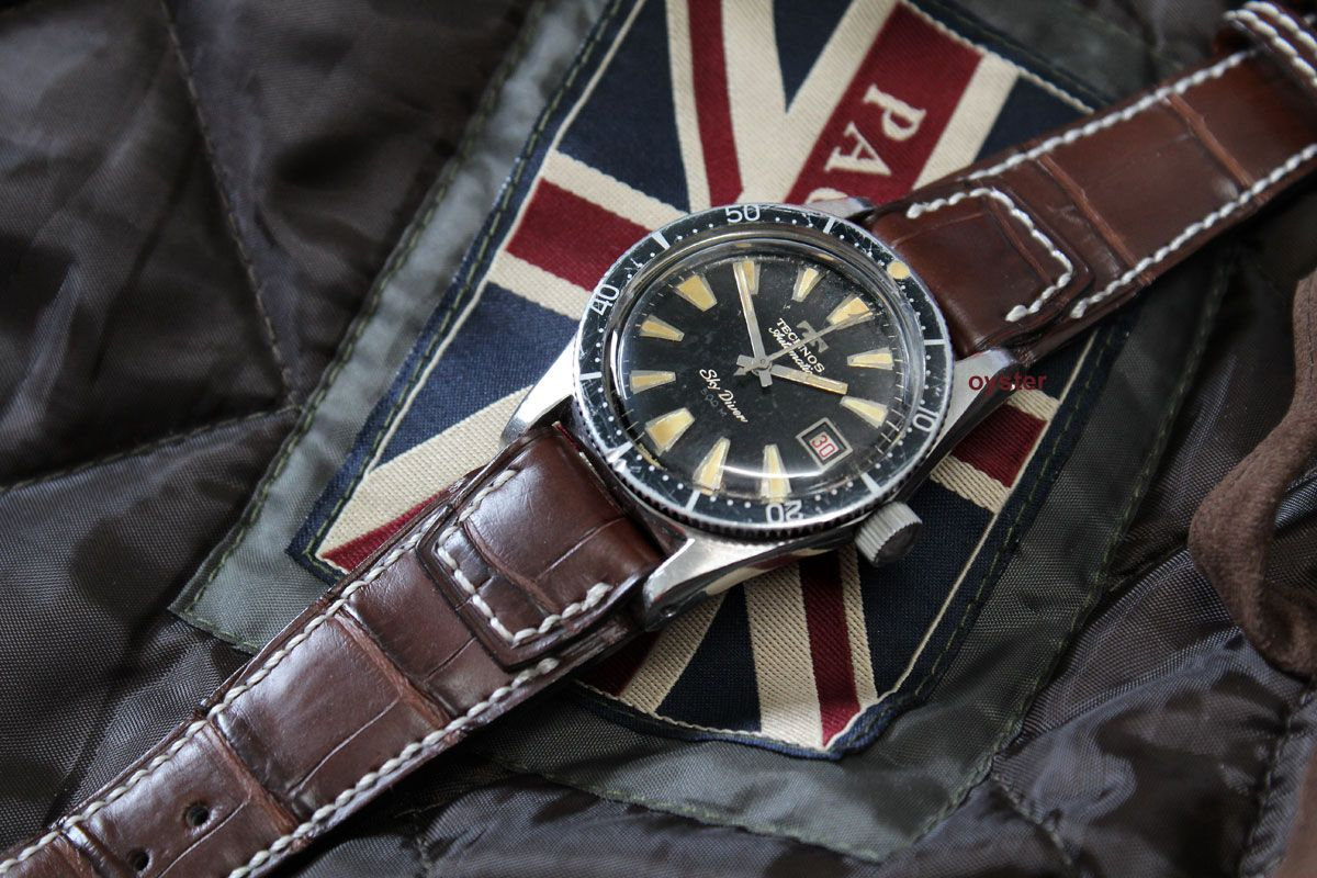 Technos skydiver vintage diver grails pinterest vintage watches diving watch and chronograph for Technos watches