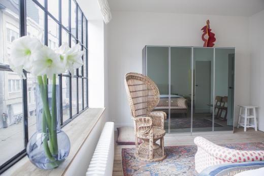 Lene Van Look wohnt in einer ehemaligen Garage - stuhl für schlafzimmer