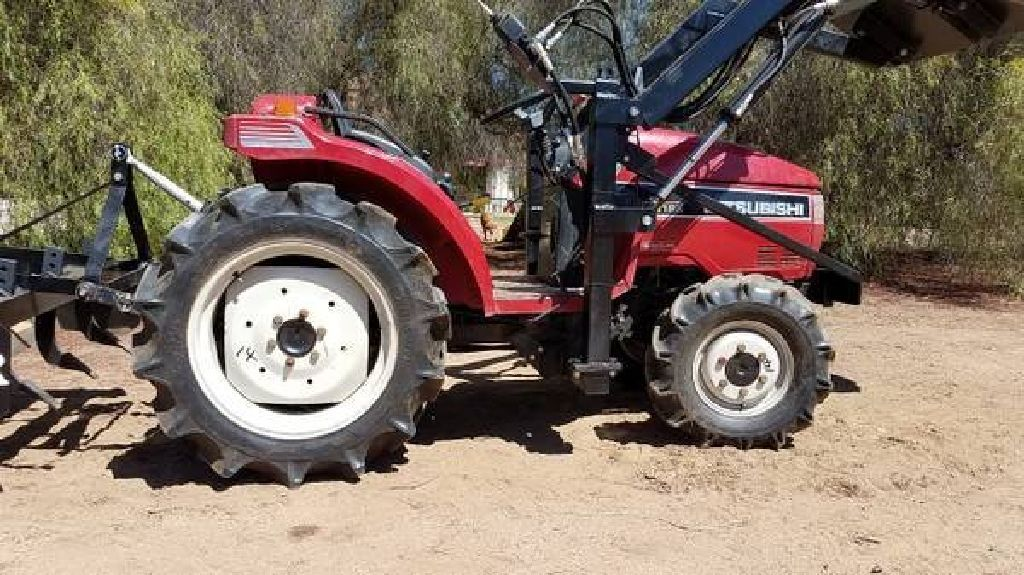 Mitsubishi Mt185d Compact Tractor 4wd 23 Hp With New Loader Tractors Compact Tractors Mitsubishi