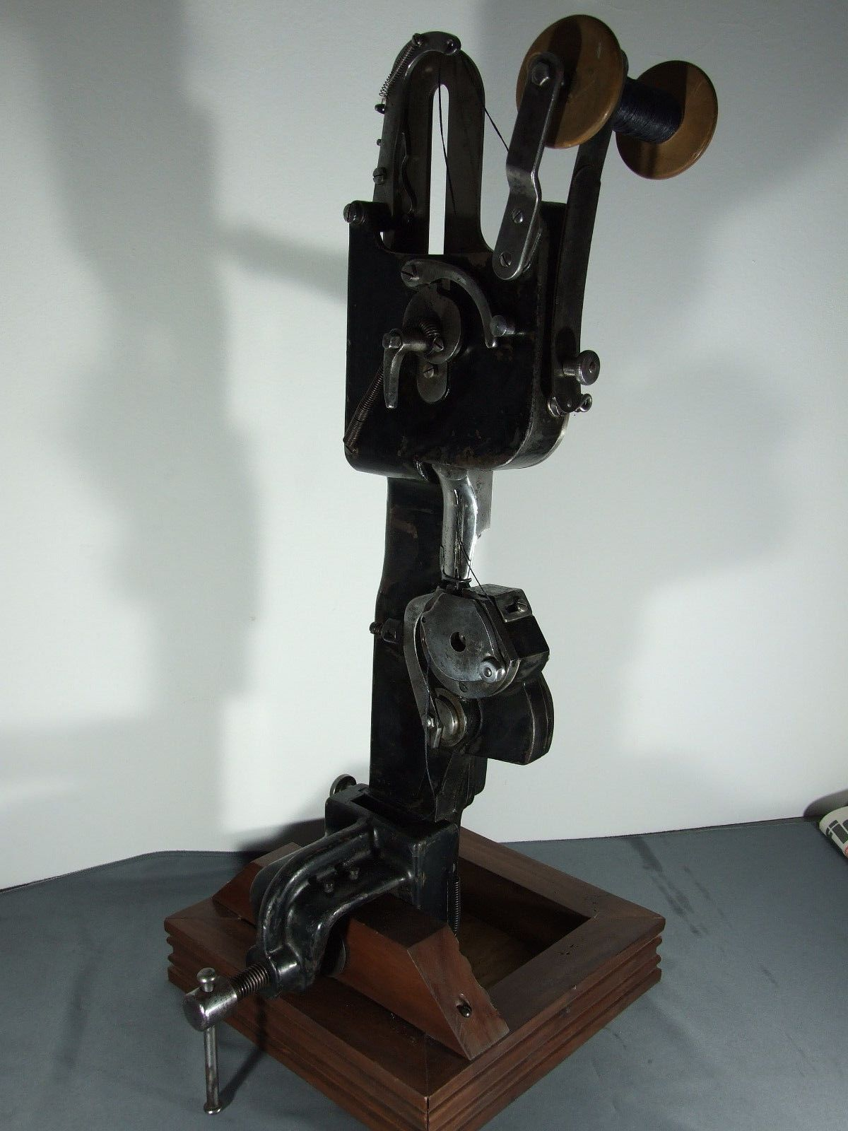 GRITZNER PATENT - ANTIQUE LEATHER SEWING MACHINE - 19th ...